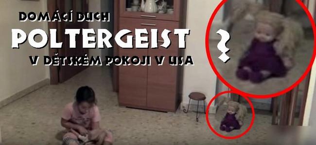 DĚSIVÉ ZÁBĚRY Z DĚTSKÉHO POKOJE: panenka vpravo se…