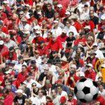 132 decibelů i prasečí hlava: zajímavosti o fotbalových fanoušcích