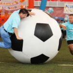 Čínská fotbalová finta: 4 boháči a 7 chuďasů