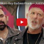 Skrytá kamera: Motorkář si kupuje panenku Barbie :o)