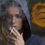 """Kouřící žena se setkala se SPRINTUJÍCÍM """"SNĚŽNÝM MUŽEM"""""""