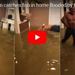 Muž chytil rybu ve svém obývacím pokoji