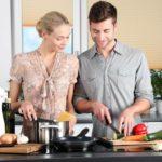 Záhada z kuchyně: Má zahřáté jídlo víc kalorií než studené?